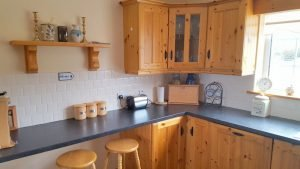 The Pines Holiday Home Dunfanaghy - kitchen