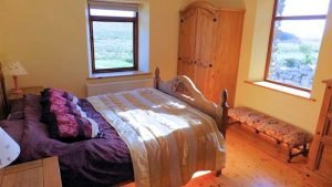 Horn Head Lodge - ground floor bedroom